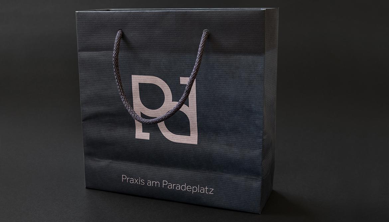 02_Joceline_Strebel_Praxis_am_Paradeplatz_CD_1170x610_06